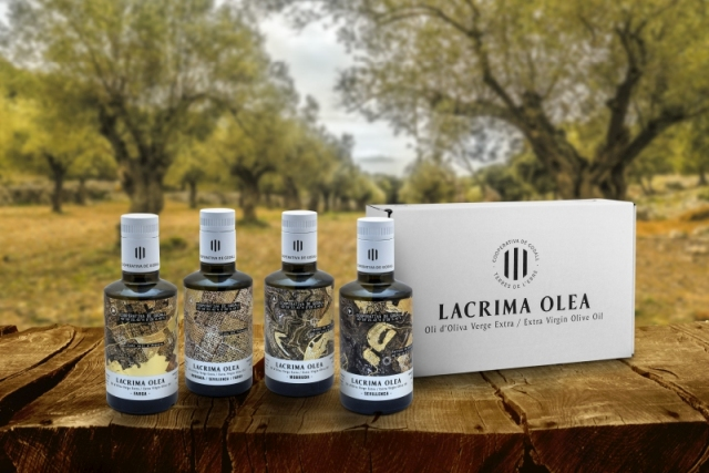 pack de cata de aceite de oliva virgen extra con DOP Baix Ebre Montsià de la Cooperativa de Godall (Lacrima Olea) Las variedades DOP son: coupage, sevillenca, farga y morruda.